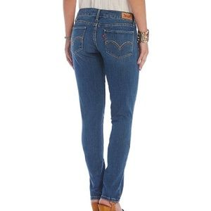 Levi's - 524 Too Super Low Skinny Jeans
